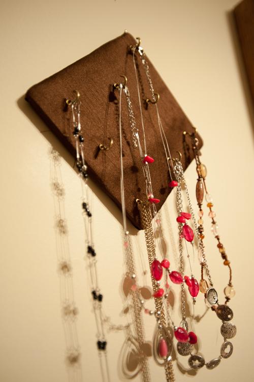 Jewelry-hanger