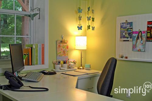 Desk-final-copyright-simplify101-1