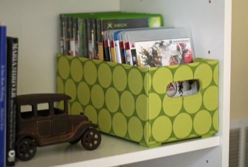 Green-polkadot-bin-500