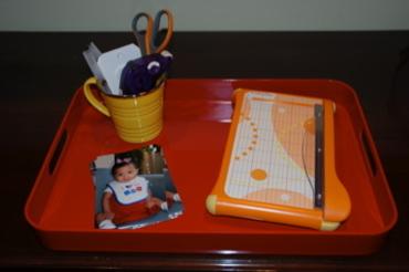 Portable_scrapbook_station